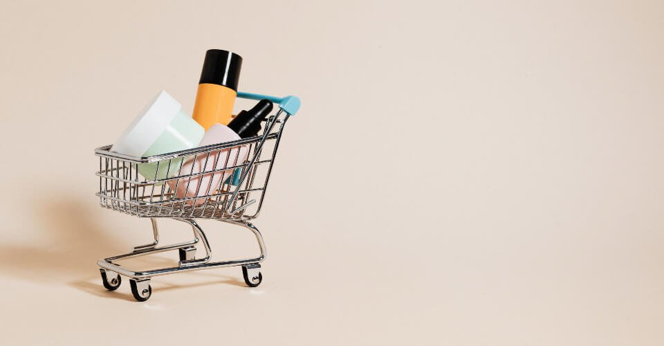 full shopping cart because of great ecommerce marketing strategies